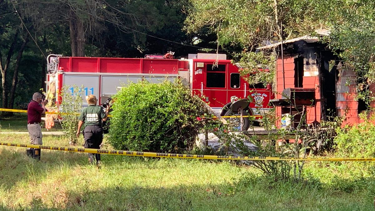 One person killed in early morning house fire