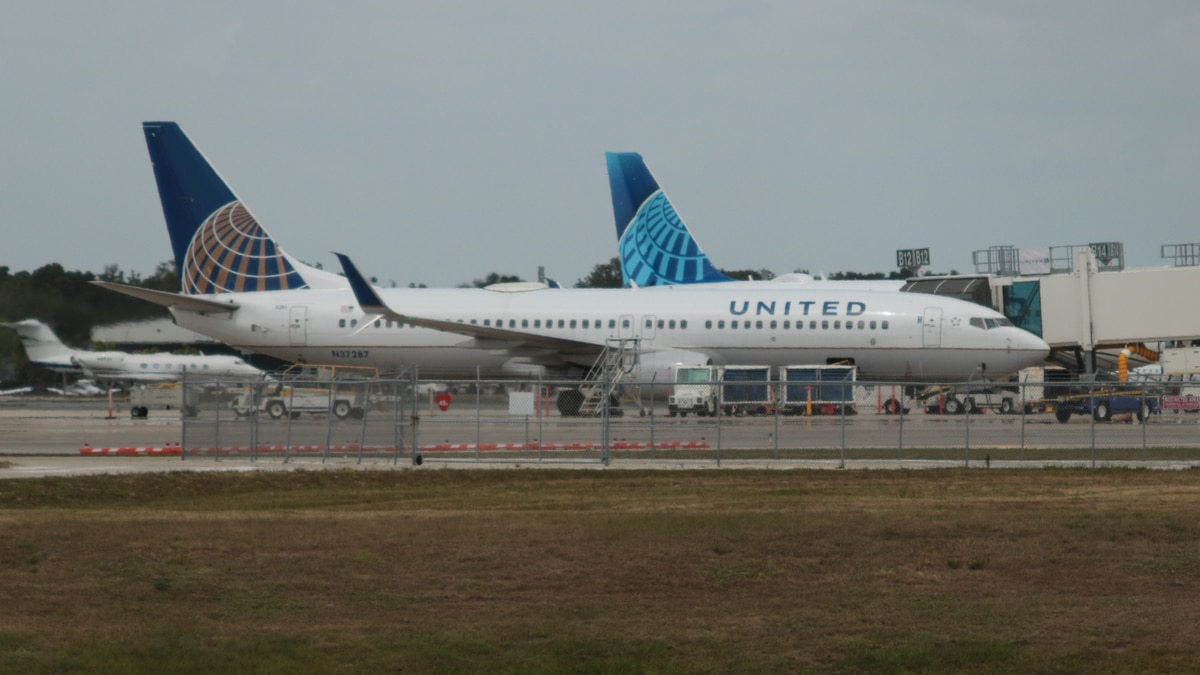 A United Boeing 737 sits at the gate at Sarasota Bradenton International Airport Wednesday, May...