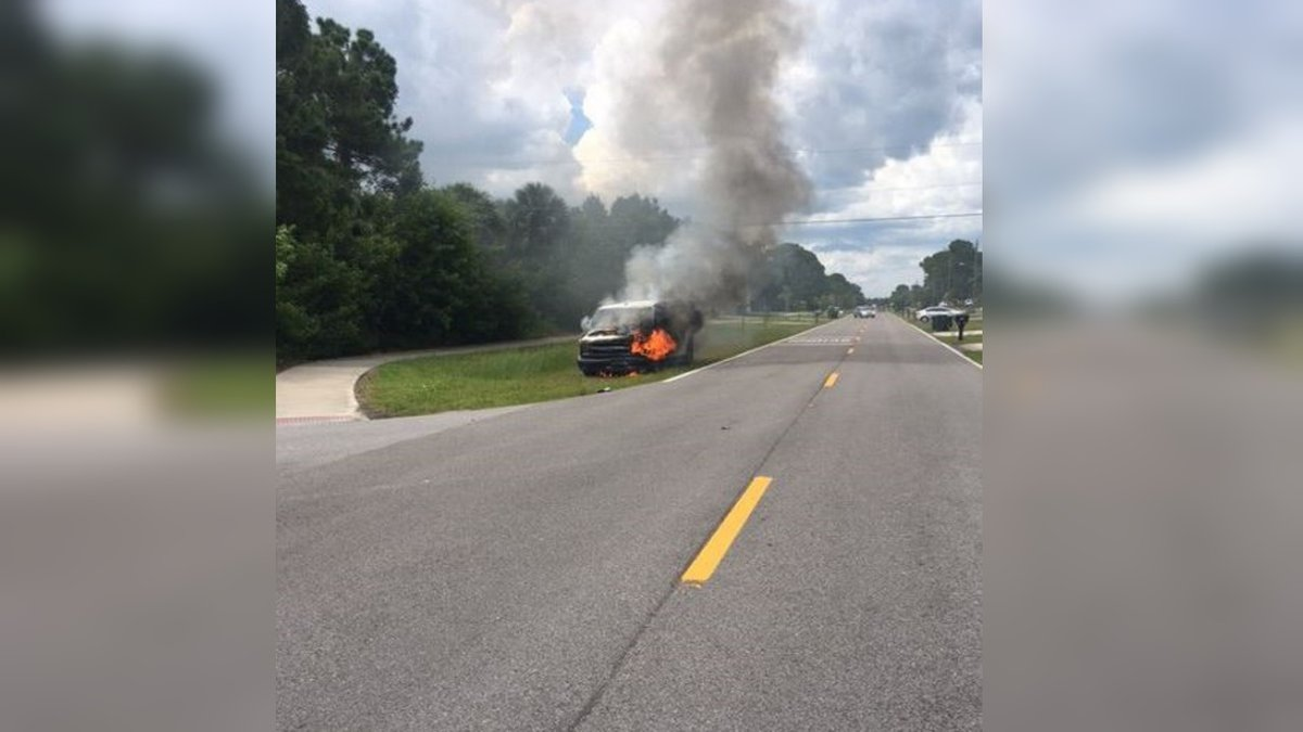 Car fire extinguished in North Port