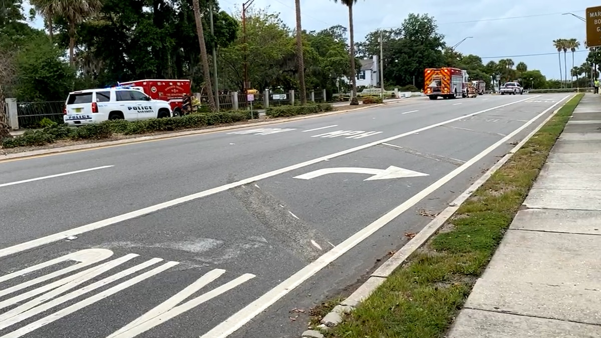 A gas leak has shut down a portion of Bayfront Drive Wednesday morning.